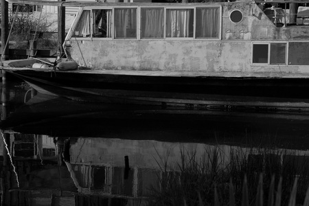 October 1, 2015:  This old Chris Craft, once a glory in her day, now sits full of stories and largely overlooked.  I'd love to hear the stories.  Still...life.